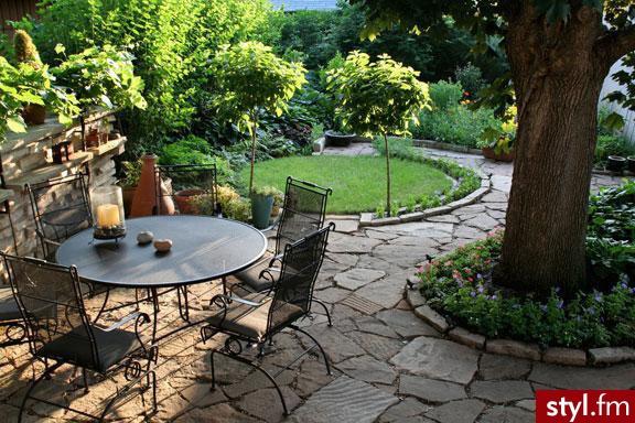 Projektowanie ogrodów: piękny ogród na wiosnę