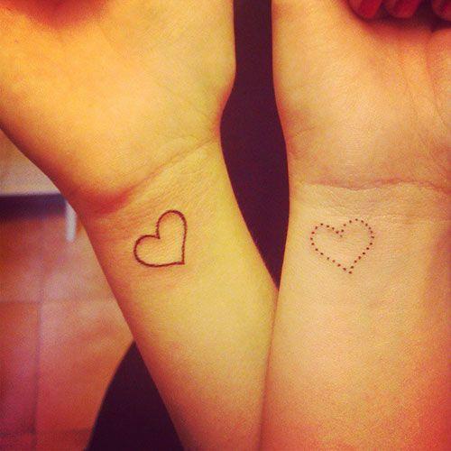 Mini Heart Tattoo Urocze Tatuaże Z Motywem Serca