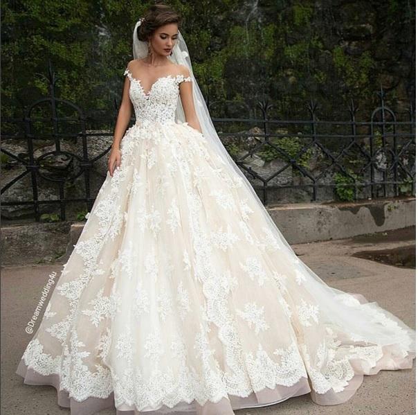 Najpiękniejsze suknie... Anna Kurnikova