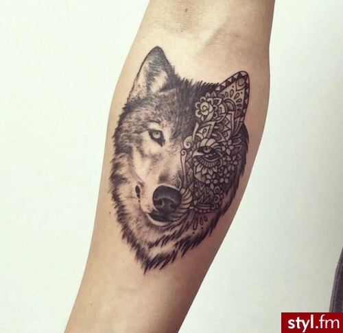 Tatuaże Na Nadgarstek I Przedramię Charyzmatyczne Kobiece