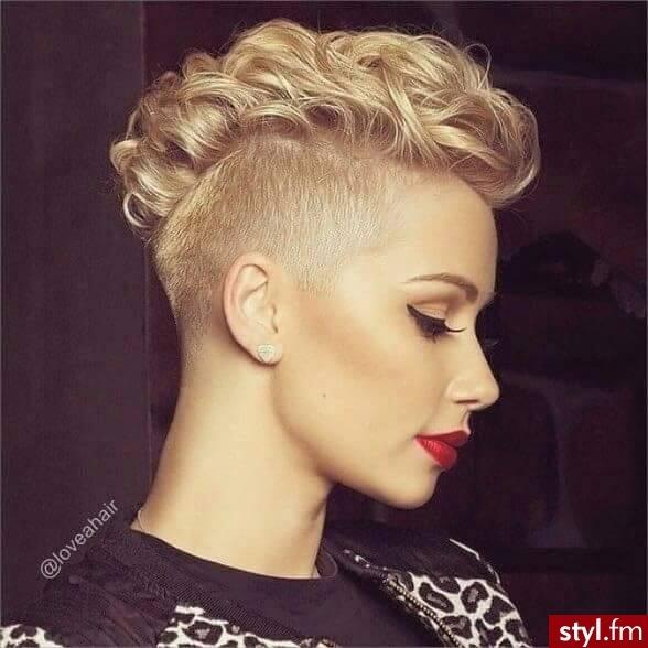Krótkie I Półdługie Fryzury Z Kręconych Włosów Trendy 2016