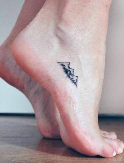 Kobiecy Tatuaży Na Stopie Warto Pomyśleć O Nim Przed Latem
