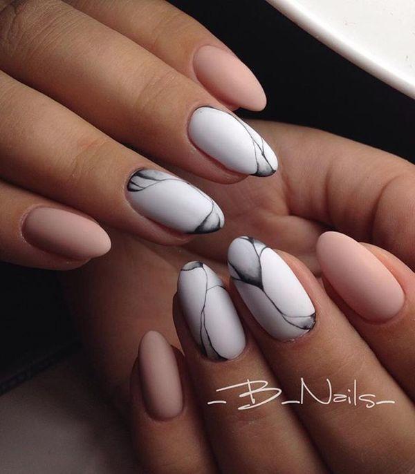 Elegancki I Prosty Manicure W Jasnych Kolorach Idealny Dla