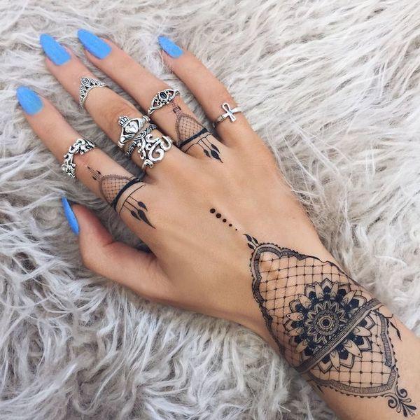 Tatuaż Mandala Cuff To Obecnie Najmodniejszy Tatuaż Na Rękę