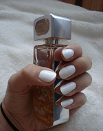 my white nails <3
