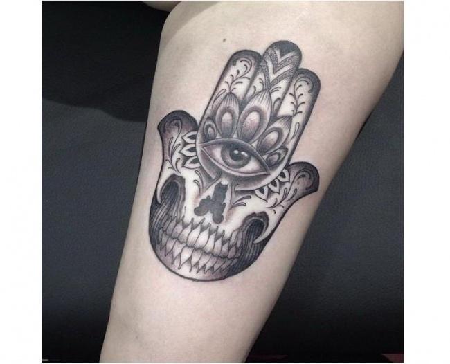Tatuaż Hamsa Ręka Opatrzności Co Oznacza Zobaczcie