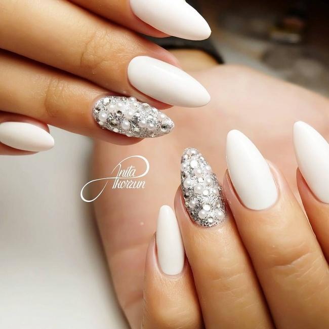 Białe Paznokcie Znów Są Hitem Sezonu Wypróbujcie Te Eleganckie Wzory