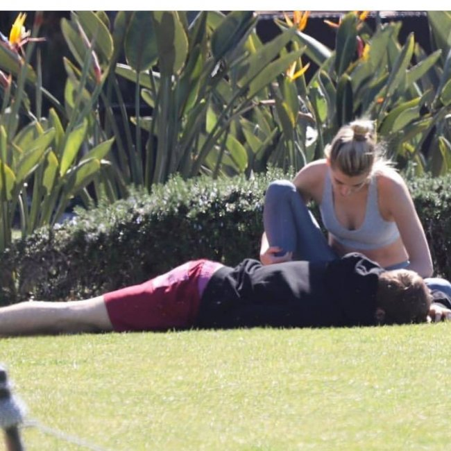 Te zdjęcia sugerują, że trudno być żoną Justina Biebera!