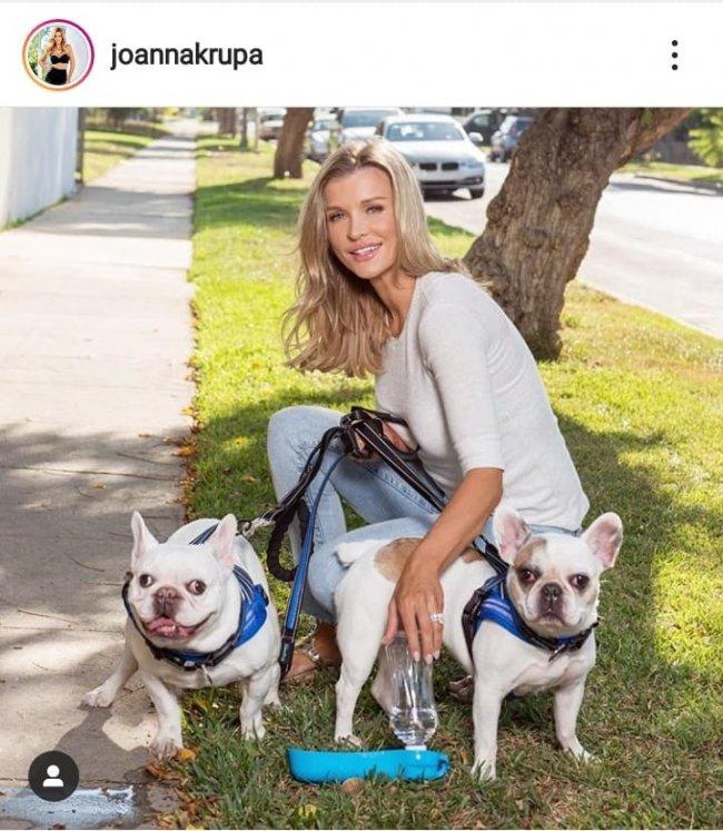 Jak widać na załączonym obrazku Joanna jest prawdziwą wielbicielką zwierząt.