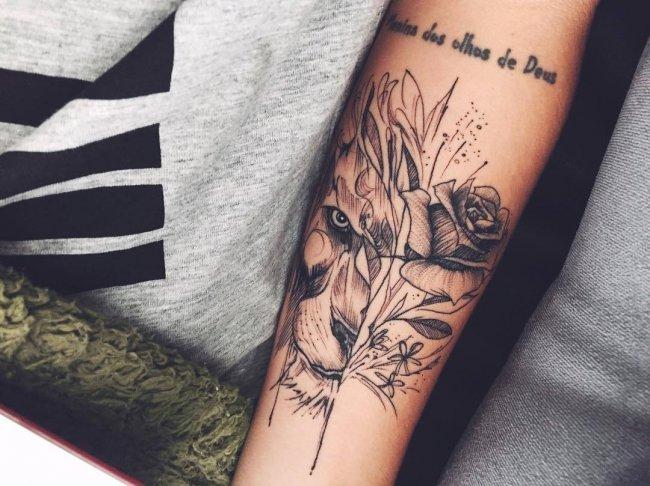 21 Kobiecych Tatuaży Z Motywem Lwa W Roli Głównej Galeria