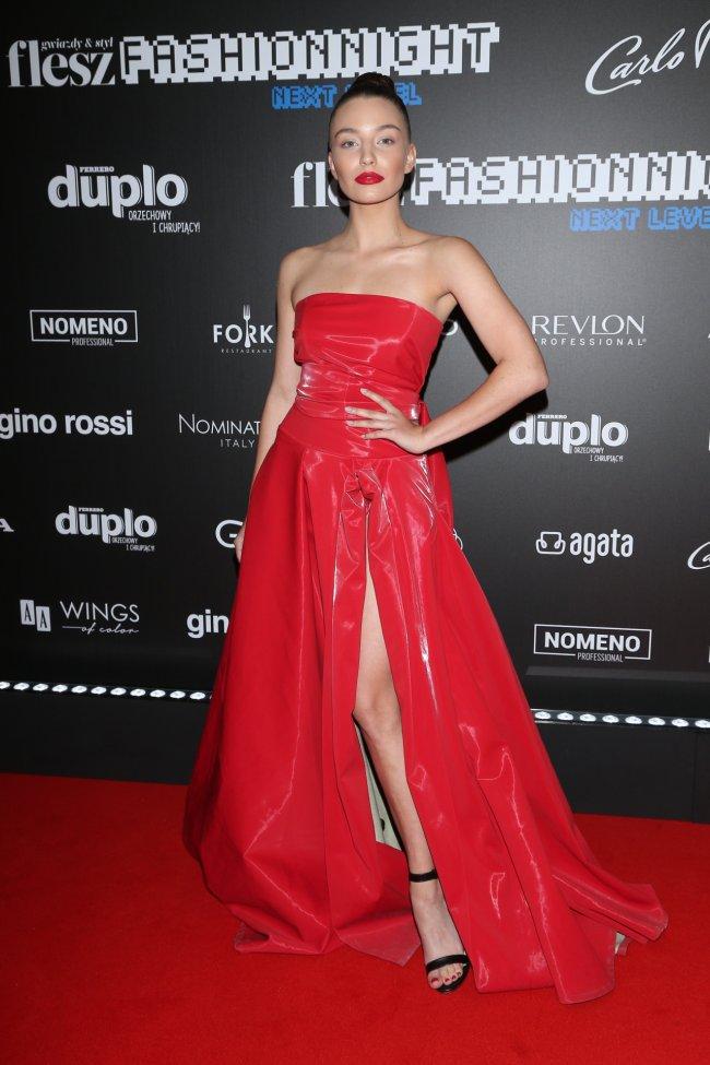 Julia Wieniawa na gali Flesz Fashion Night