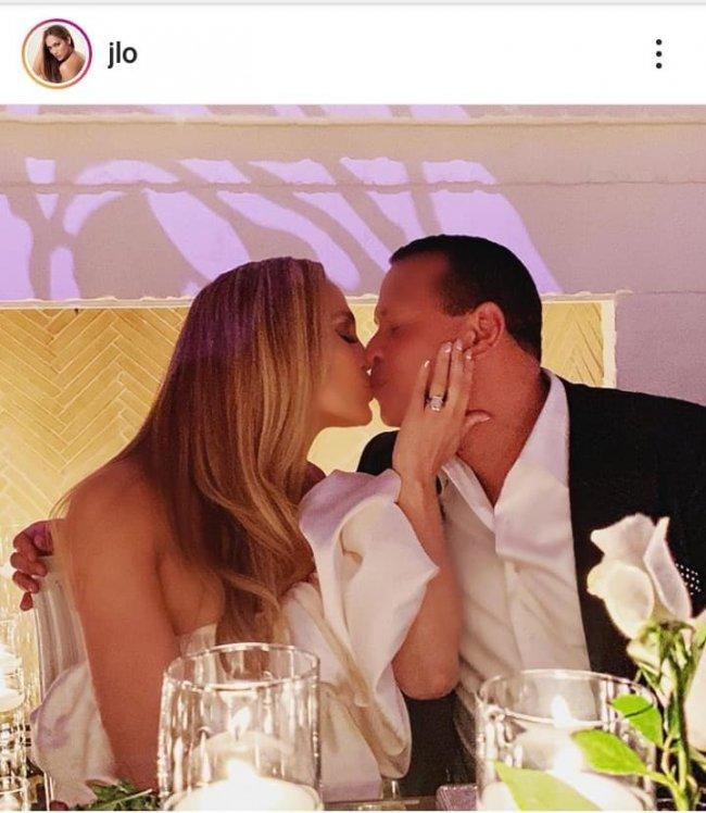 Jennifer Lopez ma naprawdę niezwykłą urodę.