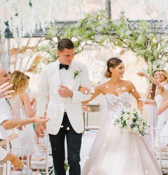 Przypominamy, jak wyglądał ich ślub i wesele!